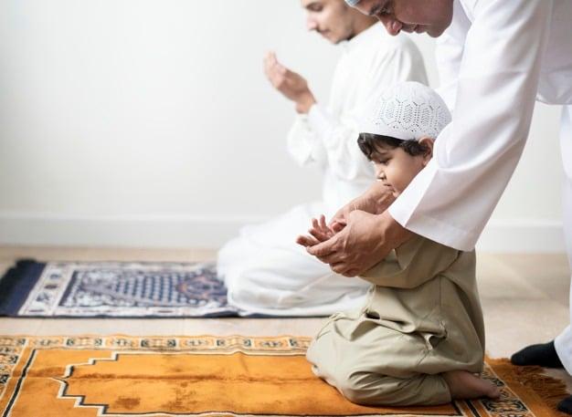 Initier ses enfants à la prière